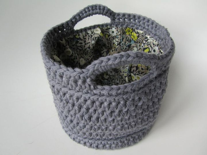 Ideal cesto de trapillo con forro en su interior.