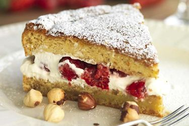 Berry and Hazelnut Cake