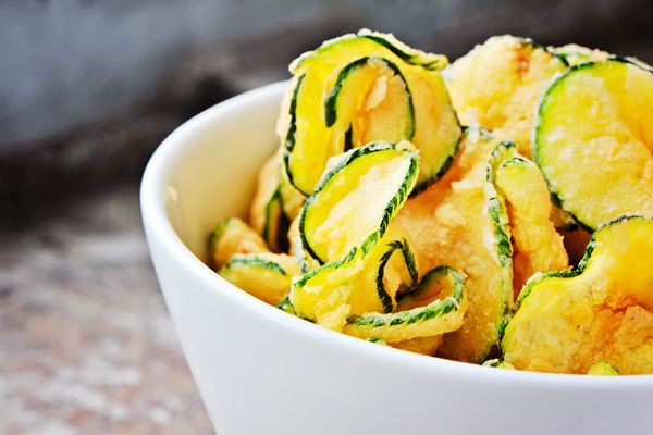 Learn How to Bake Zucchini Chips for a Healthy Snack