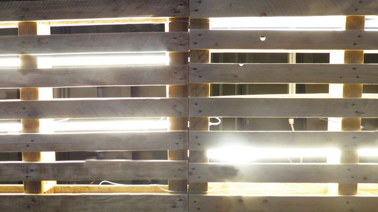 PALLETS CEILING