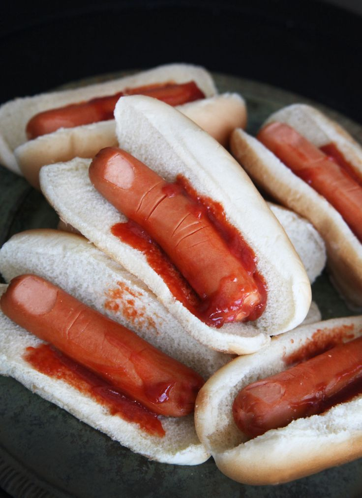 Ohh, so scary! and so Easy! Hot dogs with score lines for knuckles and skin peeled to represent a fingernail. A little ketchup really bloodies the bun.