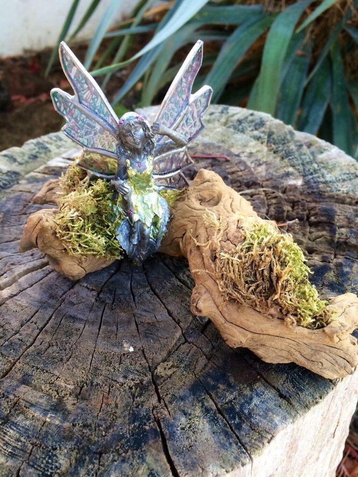 Een persoonlijke favoriet uit mijn Etsy shop https://www.etsy.com/listing/238741044/tiffany-fairy-garden-glass-fairy-garden