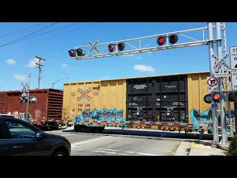 Florin Perkins Road Railroad Crossing, UP Y601 LRS93 Local and Light Rail Inbound, Sacramento CA - YouTube