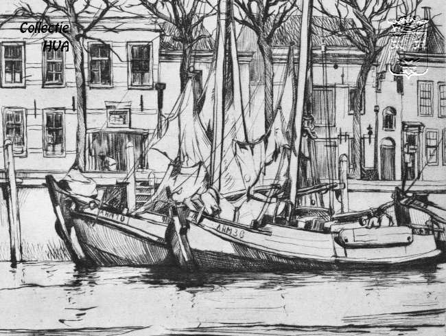 De ARM 10 en de ARM 36 in de haven van Veere. Deze ets van  twee motorbotters is gemaakt door Rudolph Schönberg.  Schönberg werd geboren te Brussel op 24 Maart 1901. Hij kreeg zijn opleiding bij de academie voor schone kunsten.  Hij werkte bij voorkeur in Zeeland aan de kust.