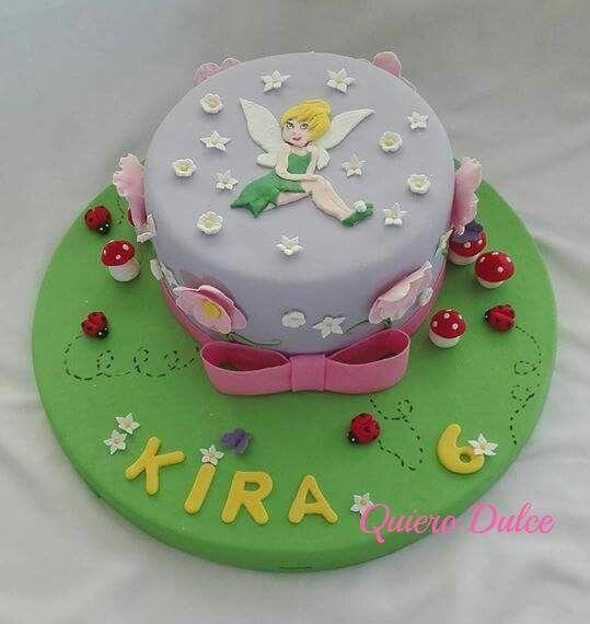Tinkerbell y el encanto del bosque en una torta