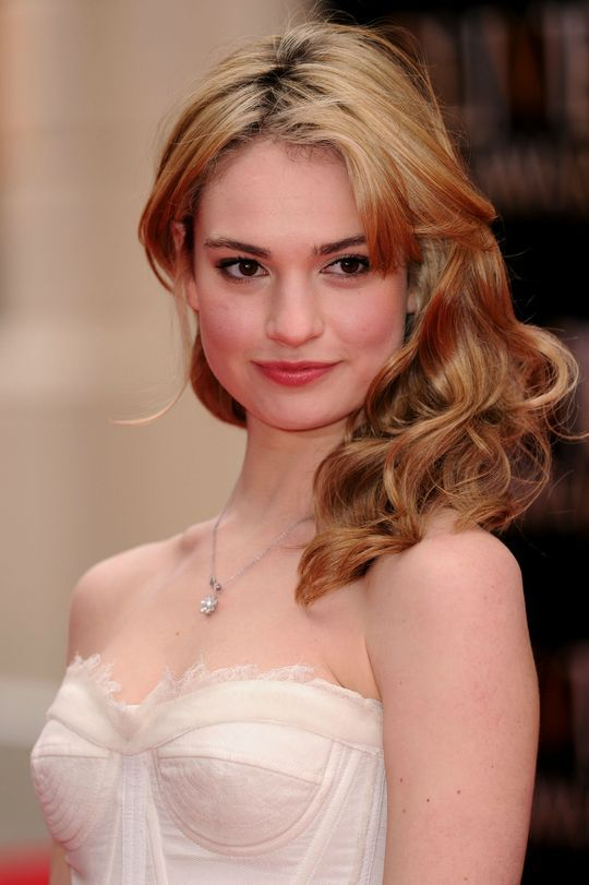 Lily James a.k.a. Cinderella. I believe she has this uniqueness to her face, it's not typical pretty-girl-face, but that's what makes her perfect for the role. I literally love her beautiful face so much