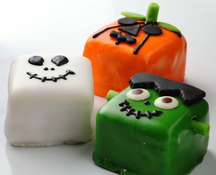 """Nuestro recomendado para que te diviertas como un niño hoy en el halloween """"MOROS"""" de la #reposteriaastor   Ponle Astor a tus días   www.elastor.com.co"""