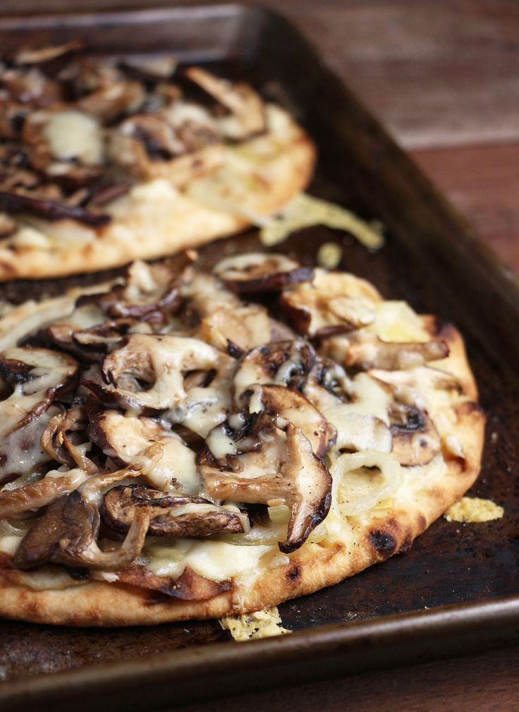 Mushroom White Pizza - Eat In Eat Out