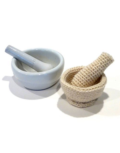 Crochet mortar and pestle: part of Cuddly Chem Lab pattern by Caroline Steinford.