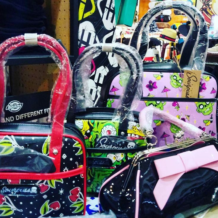 Sourpuss Clothing!!!  . ENVIOS 24 HORAS AQUI:  WWW.DISASTER.ES.   Pago contra reembolso  en casa  o con tarjeta   WWW.DISASTER.ES  Estamos en calle Córdoba Soho  Málaga  @disasterstreetwear @theplacesoho  #streetwear #malaga #disasterstreetwear #theplacesoho #sourpuss