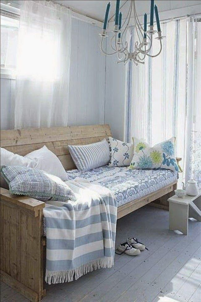 planked daybed