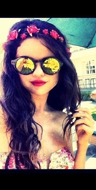 Selena Gomez Went Full-On Boho Goddess With the Help of Some Florals in This Strapless Bikini.