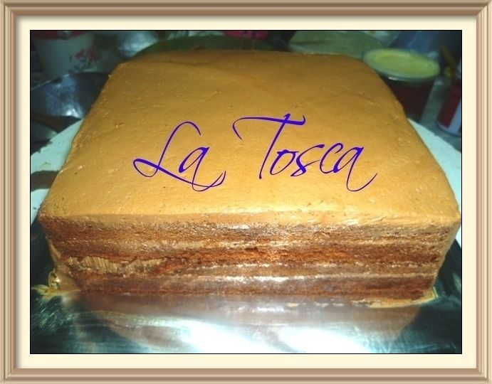 inside the layered of our Mocha Taart and can be garnish or topped with any topping or model of your choices. Please contact us ... 085364260957
