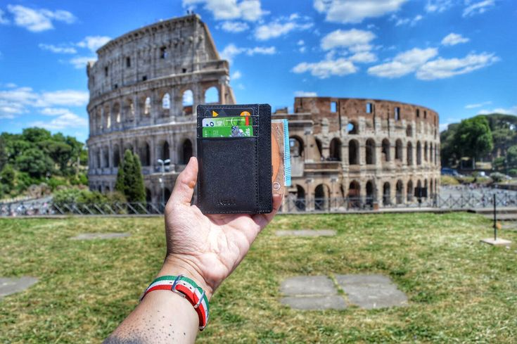 NEAL Front Pocket Wallet spotted in Rome.  Italian design. Italian leather. Italian feel.  #slimwallet #minimalistwallet #frontpocketwallet #thinwallet #rfid #rfidprotection #wallet #blackwallet #giftsformen #mengifts #giftbox #giftset #travelwallet