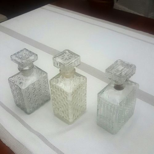 Amazing Retro decanters: mix n match set of 3, all good, very pretty, no cracks or chips, stoppers intact, 2x made in France R555 includes packaging and delivery to your DOOR!