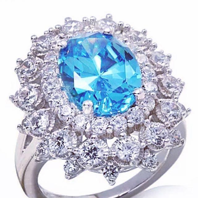 Кольцо с параиба турмалином и бриллиантами . #турмалин #турмалинпараиба #параиба…
