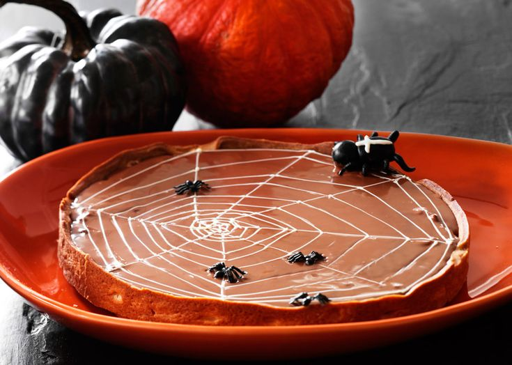 Halloween tærte med nougat og chokolade - Odense Marcipan