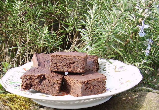 Mia's Glutenfreie Gaumenfreuden: Black Bean Brownies (gluten-, milch-, nuß- und zuckerfrei)