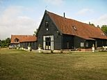 Holiday Barn in Needham Market, Nr. Bury St Edmunds / Ipswich, Suffolk, England E10087