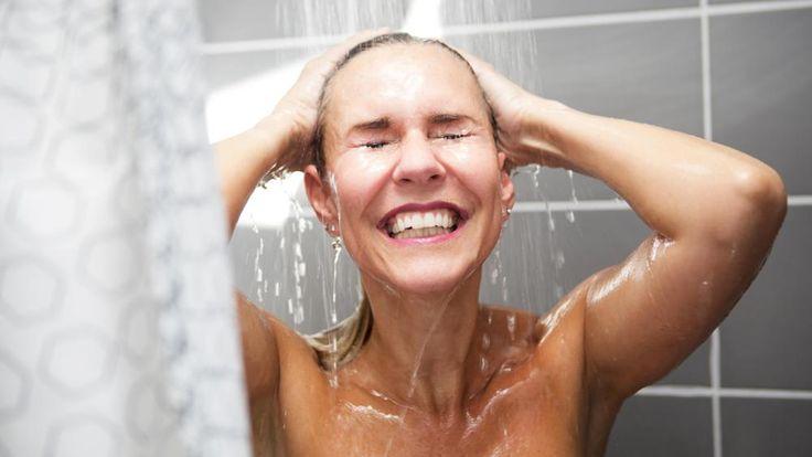 Uusi trendi leviää: Karista kylmän suihkun avulla viimeisetkin kilot!  http://www.voice.fi/daami/terveys-ja-hyvinvointi/uusi-trendi-leviaa-karista-kylman-suihkun-avulla-viimeisetkin-kilot-87562