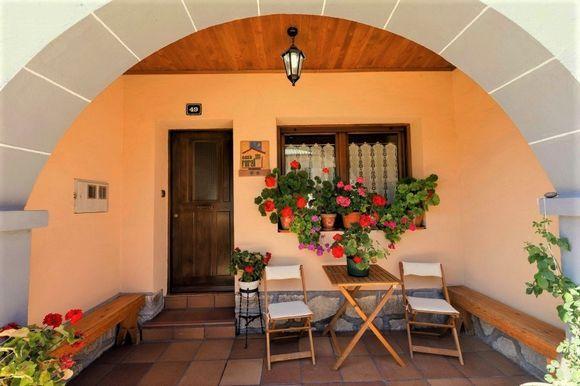 Soria San Leonardo De Yague Casa Rural Laguna Negra 49 5 Habitaciones Una Adaptada 2 Baños Salón Cocina Comedor Con Casas Rurales Casas Grandes Casas