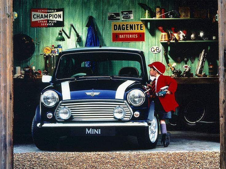 94 best mini garages images on pinterest classic mini for Garage mini 92