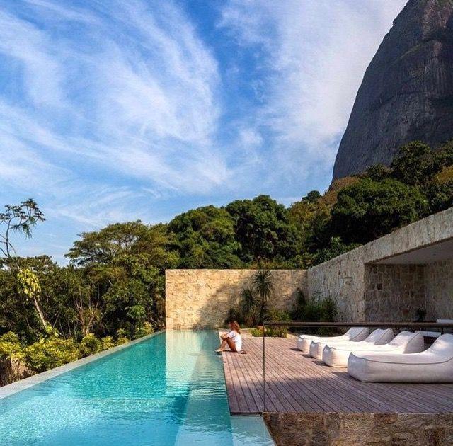 Flat Roof House, Cool Pools