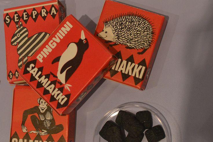 Suomen makeistehtaissa työskenteli usein enemmistönä naisia. Näin oli myös Merijalilla. Muun muassa karamellien pakkaaminen tapahtui pitkään käsin, johon naisten sorminäppäryys ja tarkkuus olivat mitä sopivimpia ominaisuuksia. Luuppi, Oulu (Finland)