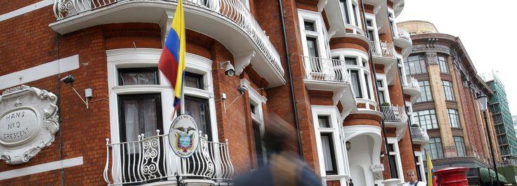Jusqu'alors, le site WikiLeaks accusaitle secrétaire d'Etat américain, John Kerry, d'être intervenu auprès de l'Equateur pourcouper la connexion internet de Julian Assange