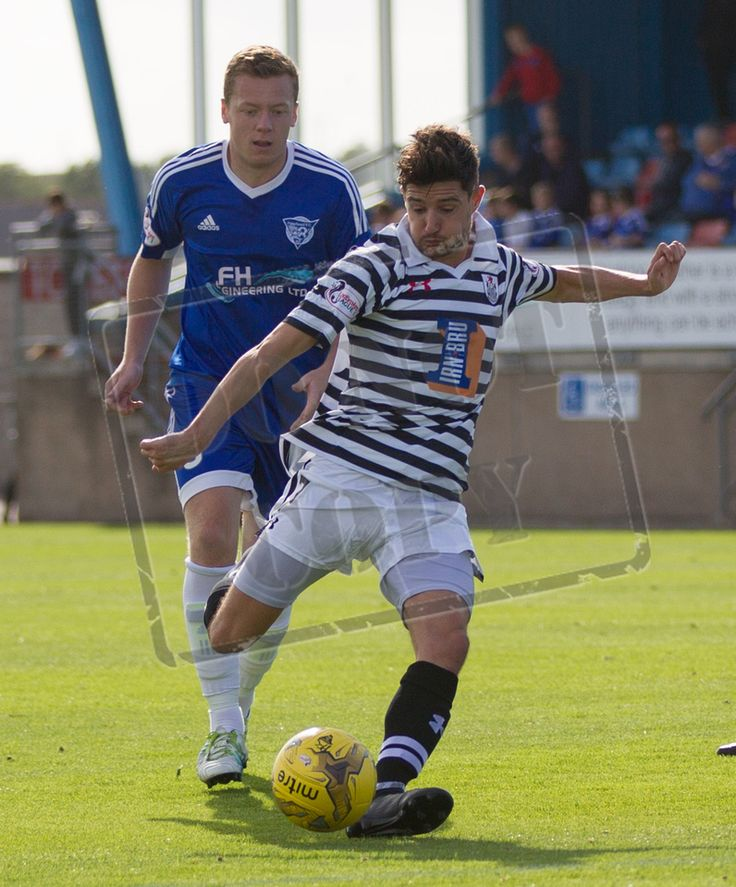 Queen's Park's Paul Woods in action during the Ladbrokes League One game between Peterhead and Queen's Park.
