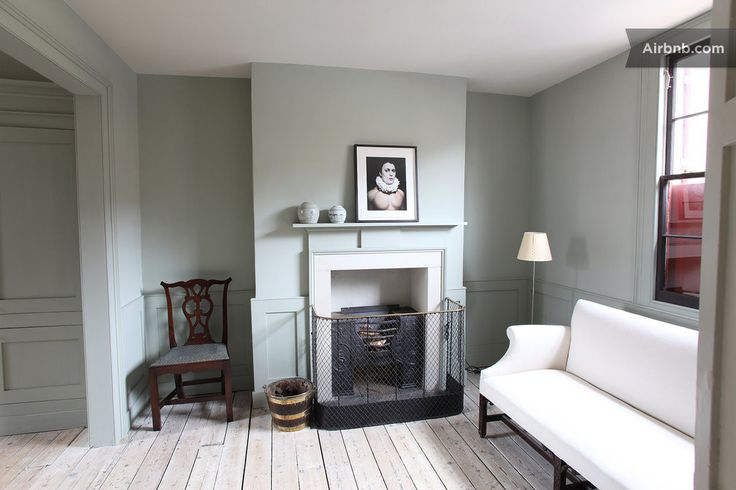 House in London, United Kingdom. Stunning Georgian house in the east end.    Stunning Georgian townhouse, 5 minutes from Whitechapel tube. 15 min walk to Spitalfields. Period restoration: beautiful antiques, lime-washed floorboards, period kitchen, quiet and secluded garden, two ...
