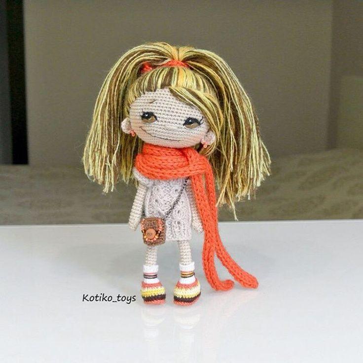 """""""Девчушка с глазкам чайного цвета... Или цвета ореха рост около 15 см. Полностью на проволочном каркасе. Платье, завязочка, шарфик и сумочкам…"""""""