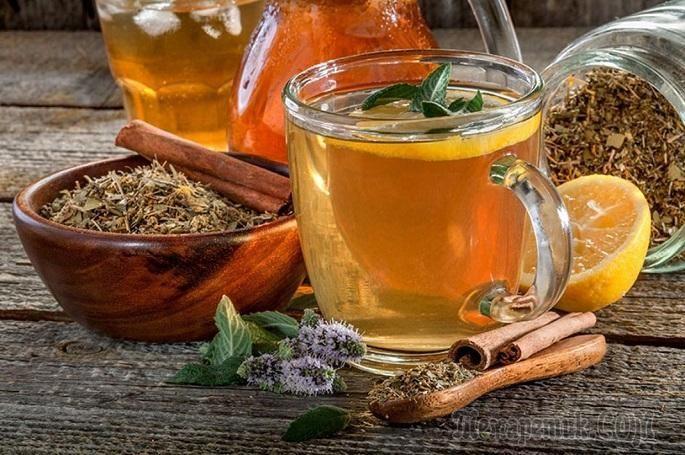 Вода с мёдом натощак, ее польза и вред давно стали предметом жарких дискуссий среди борцов за здоровый образ жизни, часто ее сравнивают по действию с регулярным приёмом биоактивных добавок или витамин...