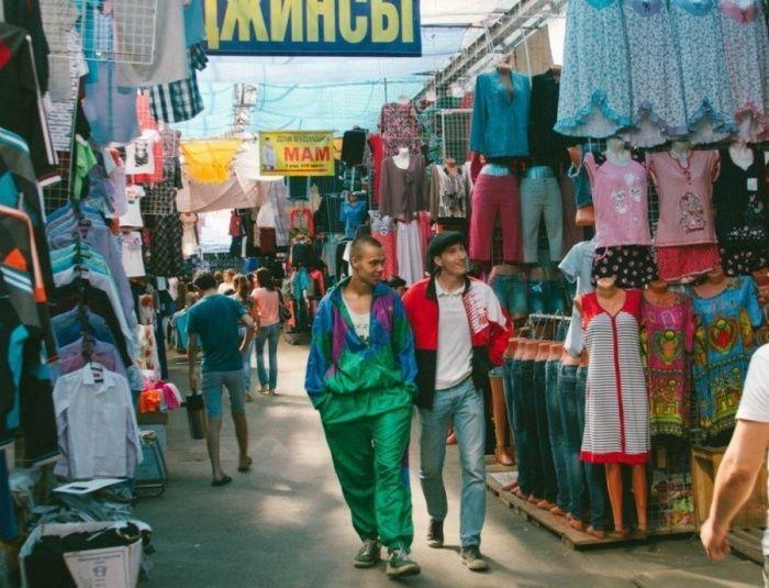 На Черкизовском рынке, 1990–е годы, Москва