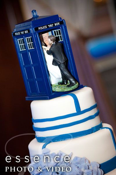 Tardis Cake Topper Barely Fits On Top Of The