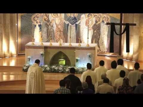 """""""Solemne Vigilia Pascual"""" Celebración de Sábado Santo de la Luz en la parroquia #Maronita de #SanChárbel. #Maronitas #Maronites #SemanaSanta2016 https://twitter.com/maronitas_es https://twitter.com/sancharbel_es"""