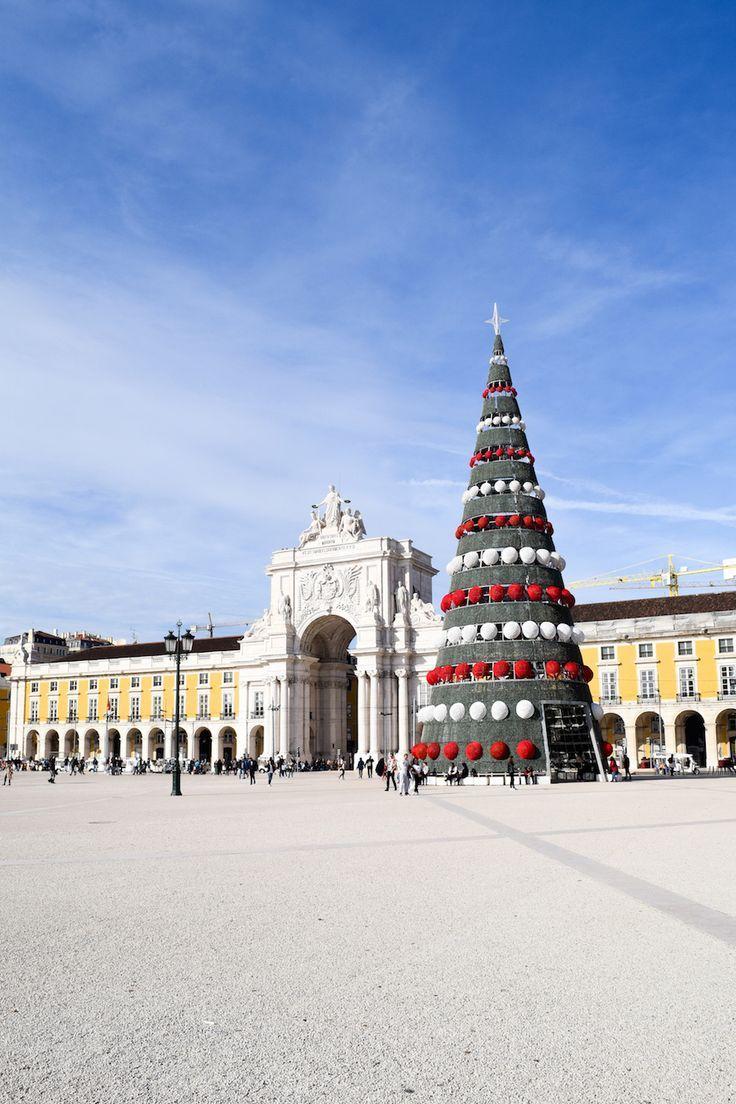 A gorgeous Christmas tree in the center of Lisbon Praça do Comércio