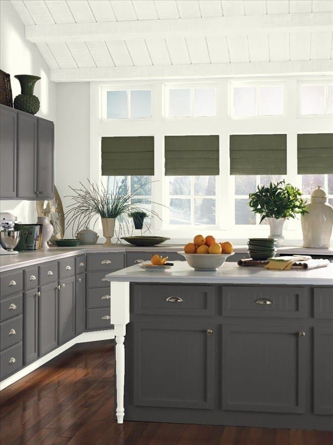Easy on the Eyes: 5 Gray & Cream Kitchens (And the Perfect Off-White Paint…