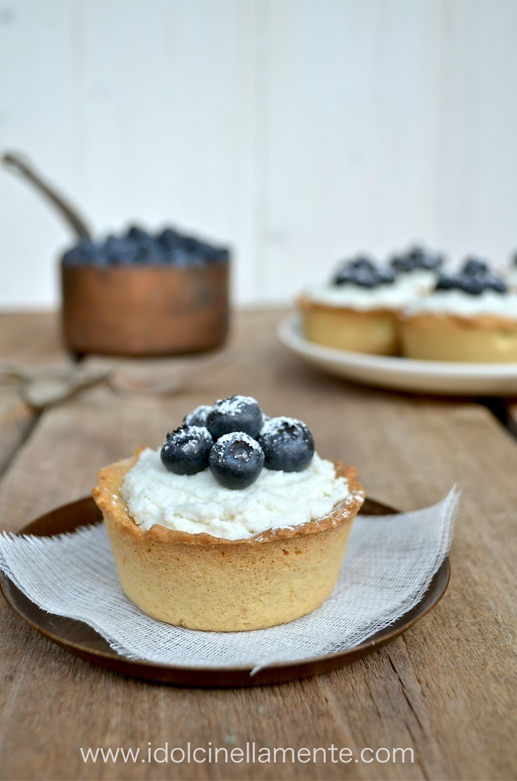 mini olive oil shortbread with cream cheese and blueberries ... almost a cheesecake
