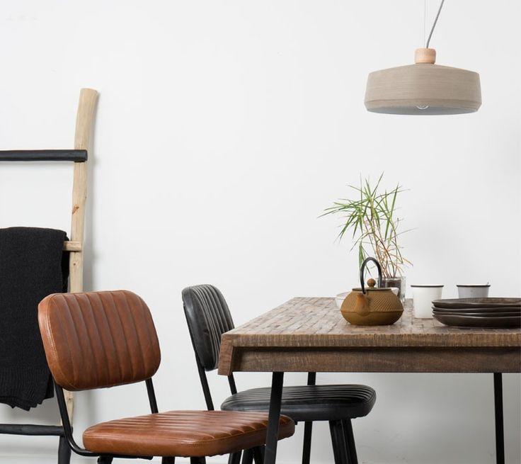 #industrieel #interieur #lederen #stoelen #eetkamerstoelen #metaal