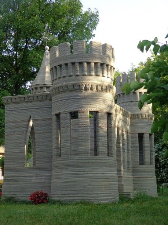 large 3D Printer prints a concrete castle - modern playhouse for kids!
