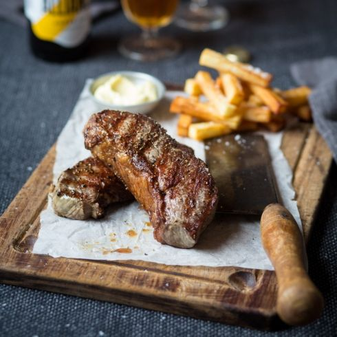 Steak and chips with aoli