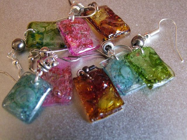 More recycled cd earrings by florence belliard best out for Waste out of best from bangles