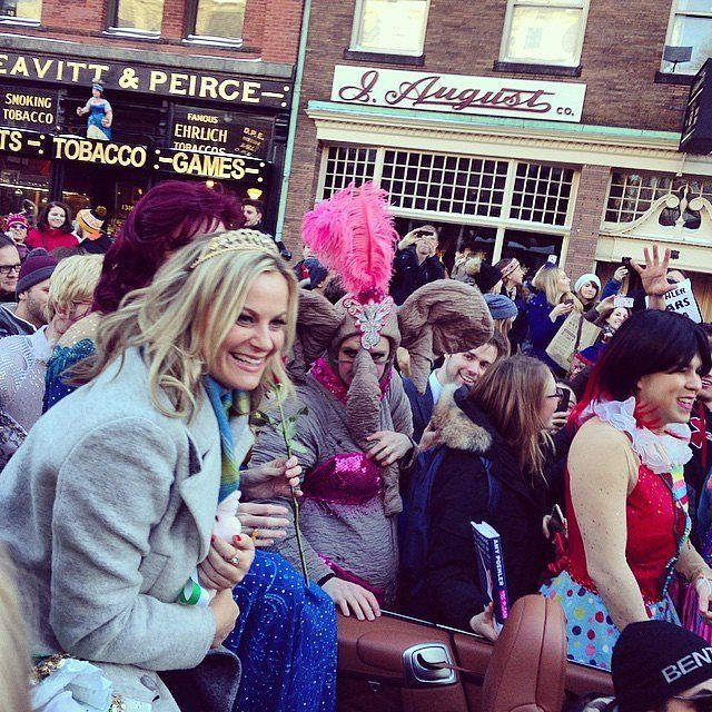 Amy Poehler rapped during her Harvard Hasty Pudding Award ceremony!