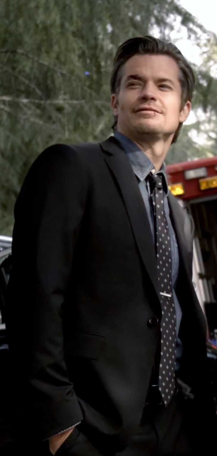 Timothy Olyphant https://dosemakesthepoison.tumblr.com/post/158839213137/justified-season-1-episode-10