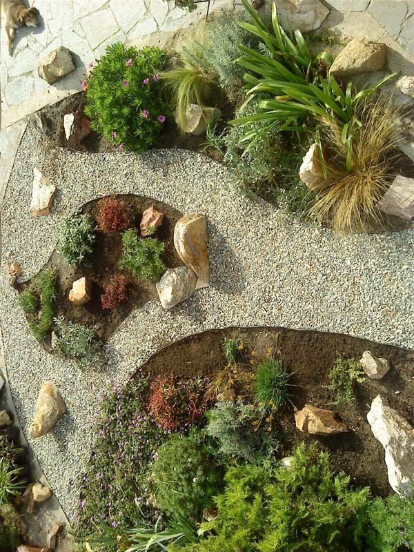75 best images about dise o de jardines on pinterest for Jardines decorados con piedras
