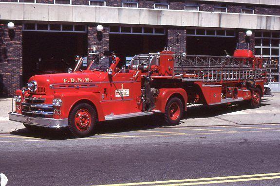 New Rochelle Ny Ladder 11 1959 Seagrave 100 Tda Fire Apparatus Slide Fire Apparatus Fire