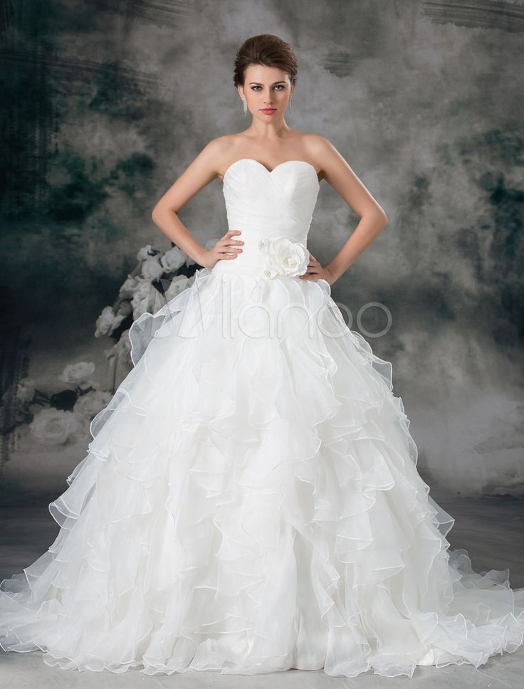 Glamorous Ivory Ruched Sweetheart Neck A-line Organza Wedding Dress