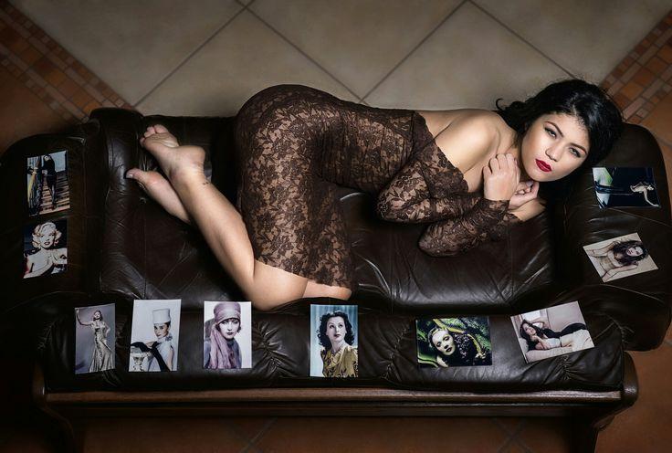 Femeia din filme                                                     În rolul  principal Diana                                       Dress Atelier  Beatrice                                        Foto  Laura Stoica