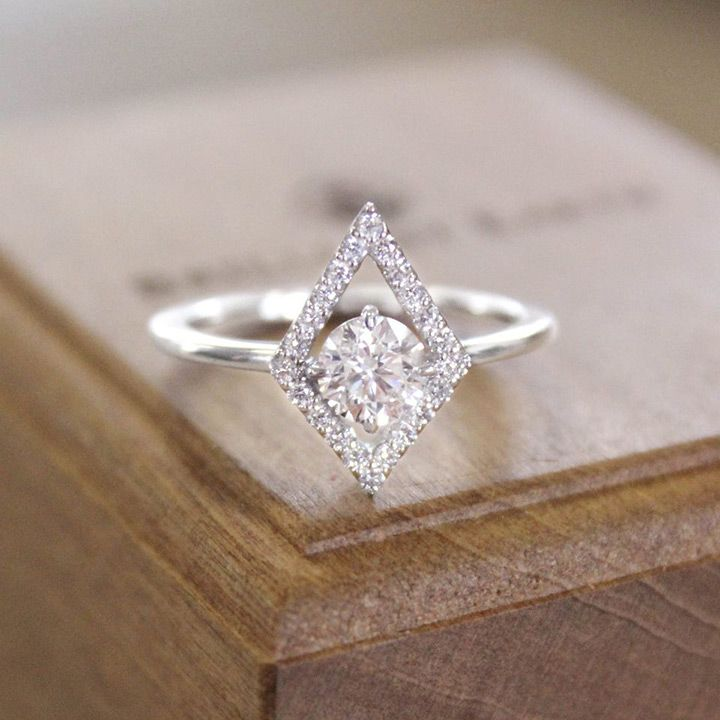 in love with this unique diamond engagement ring from Brilliant Earth! ~  we ❤ this! moncheribridals.com